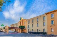 La Quinta Inn & Suites Houston Greenway Plaza Medical Area Image