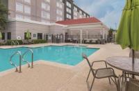 La Quinta Inn & Suites Arlington North Six Flags Drive Image