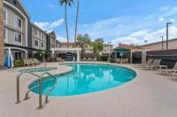 La Quinta Inn & Suites Phoenix Scottsdale Image
