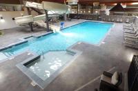 Quality Inn & Suites Hendersonville Image