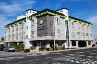 Comfort Inn & Suites San Francisco Airport West Image