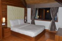 Hotel The Retreat Image