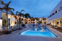 La Quinta Inn & Suites Santa Barbara Image