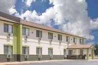 Baymont Inn & Suites Ames Image