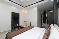 Hotel India Palace Image