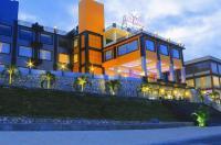 Istana Hotel And Resort Image