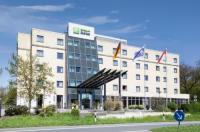 Holiday Inn Express Frankfurt Airport Image