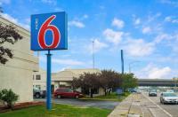Motel 6 Salt Lake City - Central Image