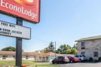 Econo Lodge Elkhart Image