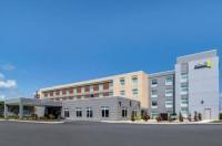 Econo Lodge Inn & Suites Bangor Image