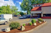 Rodeway Inn Willamette River Image