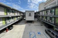 Deluxe Inn Hawthorne/ LAX Image