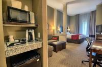 Comfort Suites Marietta Image