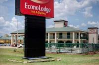 Econo Lodge Inn & Suites Philadelphia Image