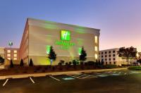 Holiday Inn & Suites Atlanta Airport North Image