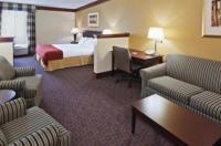 Days Inn & Suites Tahlequah Image