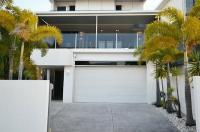 Alex Beach House Image