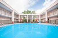 Baymont Inn & Suites Mobile Image