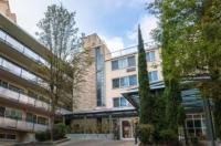 Park Lane Suites & Inn Image