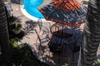 Tarzana Inn Image