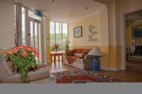 Bambury's Guesthouse Image