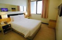 Go Hotels Iloilo Image