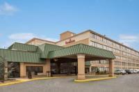 Ramada Hotel Rochelle Park Image