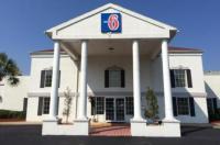 Motel 6 Brunswick Image
