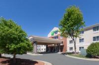 Holiday Inn Express Hotel & Suites Mebane Image