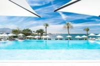Crowne Plaza Hotel Muscat Image