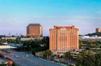 Sheraton Suites Galleria Atlanta Image