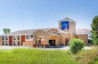 Rodeway Inn Mukwonago Image