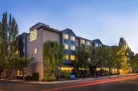 Silver Cloud Inn - Portland Image