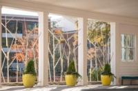 Hotel Indigo Atlanta Vinings Image