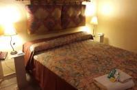 Hualum Hotel Image
