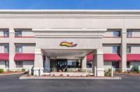 Baymont Inn & Suites Detroit/Roseville Image