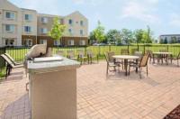 Baymont Inn & Suites Green Bay Image