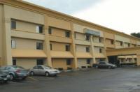 La Quinta Inn & Suites Jackson Image