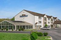 Baymont Inn & Suites - Sullivan Image
