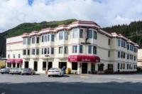 Hotel Seward Image