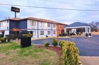 Rodeway Inn West Memphis Image