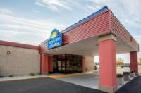 Days Inn & Suites Mt Pleasant Image
