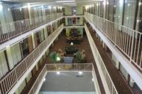 5th Avenue Inn & Suites Image