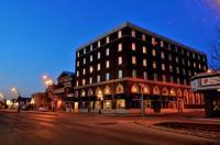 Grant Hall Hotel Image