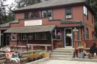 Old Towne Inne Chuckwagon Bar & Grill Image