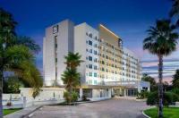 Radisson  Hotel Orlando - Lake Buena Vista Image