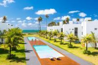 B Blue Beachouses Image