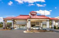 Red Roof Inn Fayetteville Image