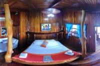 Paradise Island Lodge Image