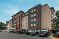 La Quinta Inn & Suites Baltimore Bwi Airport Image